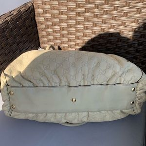 Gucci Bags - Gucci Beige Leather GG Bag Great Size, Great Bag!!